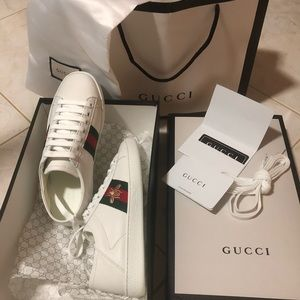 GUCCI Ace White Leather Bee Sneakers